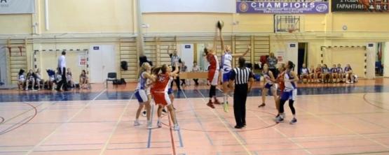 Баскетболистки УрГЭУ возглавили турнирную таблицу в рамках 1-ого тура АСБ