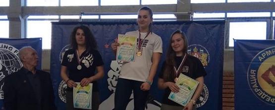 Студентка УрГЭУ Виктория Рубежанская заняла третье место в универсиаде по армреслингу