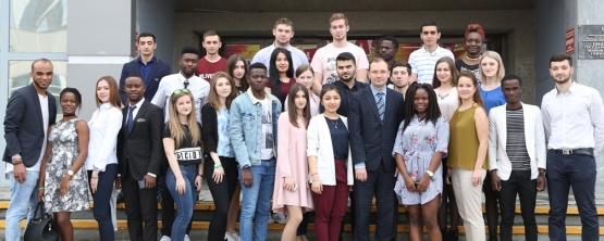 «Вместе мы делаем вуз успешнее»: Ассоциация иностранных студентов УрГЭУ подвела итоги учебного года