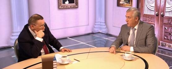Ректор УрГЭУ Яков Силин стал гостем программы «ДомЭ» наОбщественном Телевидении России