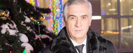 Ректор УрГЭУ поздравляет сотрудников и студентов вуза с праздниками