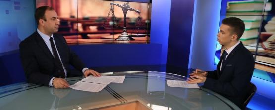 Смотрите интервью заведующего кафедрой публичного права УрГЭУ Дениса Гончарова телеканалу