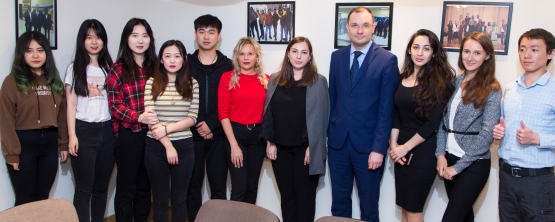 CHINESE STUDENTS DO NOT PART FROM YEKATERINBURG