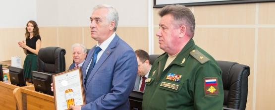Ректору УрГЭУ Якову Силину присвоили звание полковника