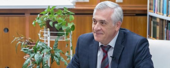 Ректор УрГЭУ Яков Силин дал интервью ГТРК «Регион-Тюмень»